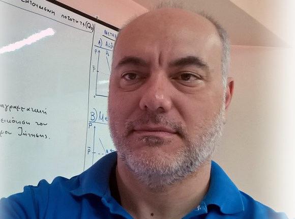 Νίκος Κοζάκος
